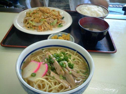 白保食堂の昼食